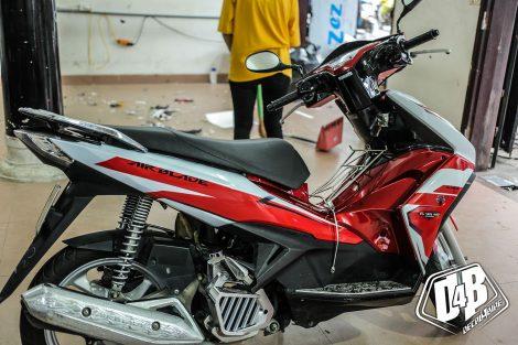 ab300140 air blade 125 red white 03
