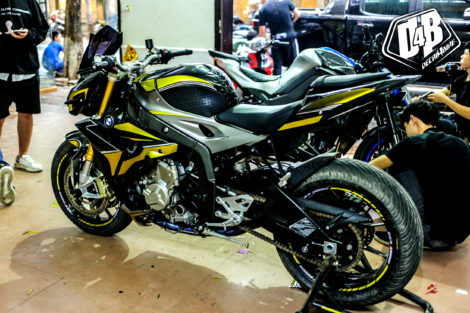 bmw s1000r yellow line candy 2