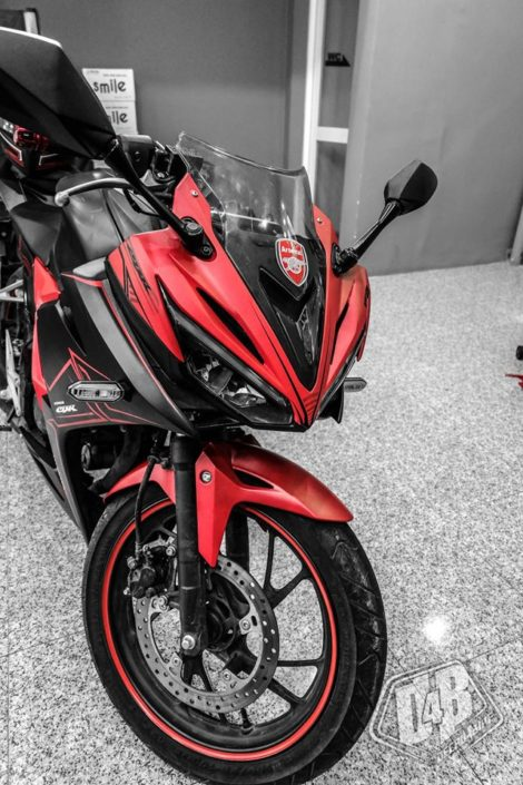 cbr400008 cbr 150 2016 red lighting 1