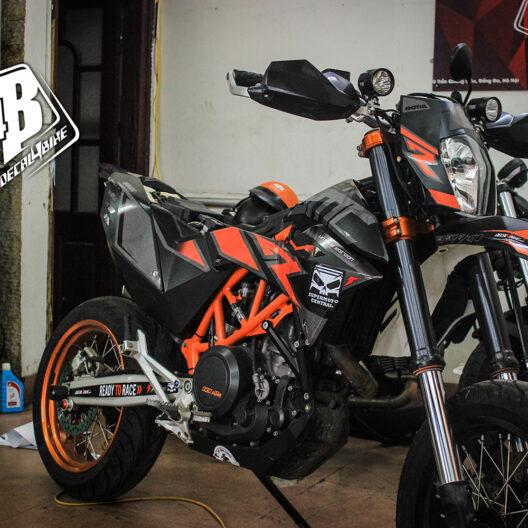 cc000022 ktm smc 690 black orange 3