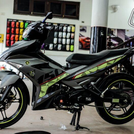 ex1000301 exciter 150 green grey