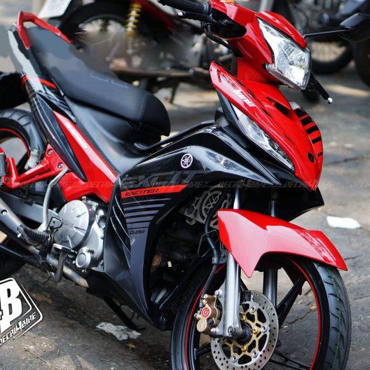 ex2000042 exciter 135 red black mx king 01
