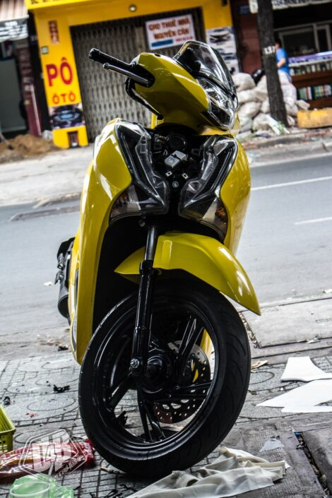 sh300066 honda sh 150i yellow glossy